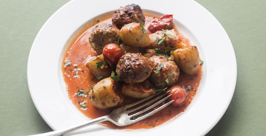Baby Gourmandines Baked with Meatballs and Tomatoes