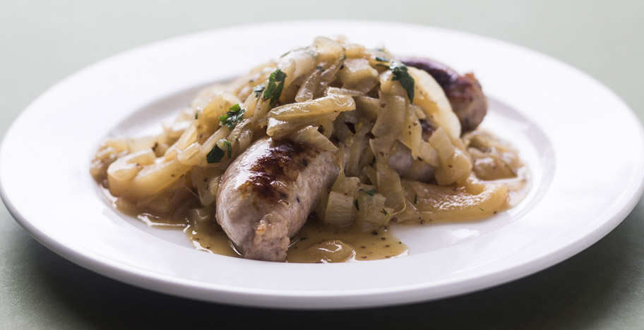Sausages with Onion, Apple and Mustard Gravy
